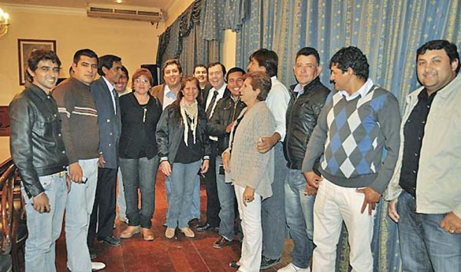 SACHÁYOJ. Dirigentes del dpto. Alberdi concurrieron a Casa de Gobierno