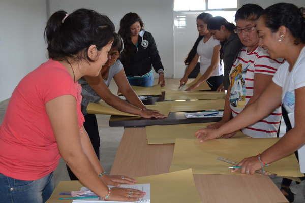 La oficina de empleo figueroa dicta un curso de for Oficina de empleo cursos