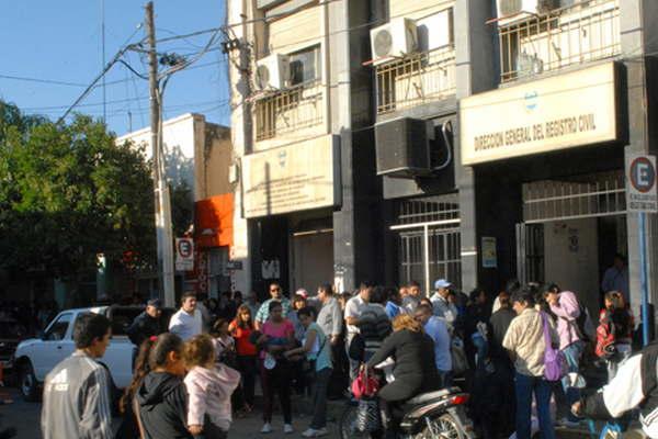 Instan a los santiague os a realizar con urgencia el - Ministerio del interior renovacion dni ...