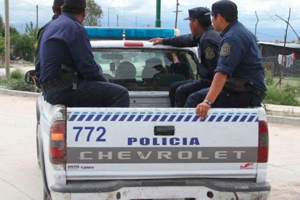 5254b83072policial-de-salta-patrullero