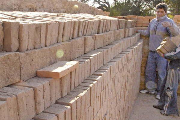 El precio del ladrillo com n para obra tuvo un aumento de for Precio de ladrillos