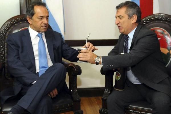 Scioli anunci a urribarri como su eventual ministro del for Gabinete del ministro del interior