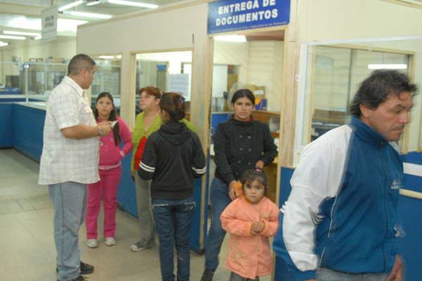 Dieron a conocer horarios de atenci n del registro civil for Oficinas renovacion dni